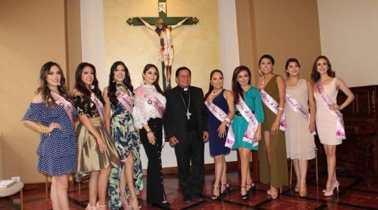 Encuentro del señor Obispo con las candidatas a Reina de Ambato 2019